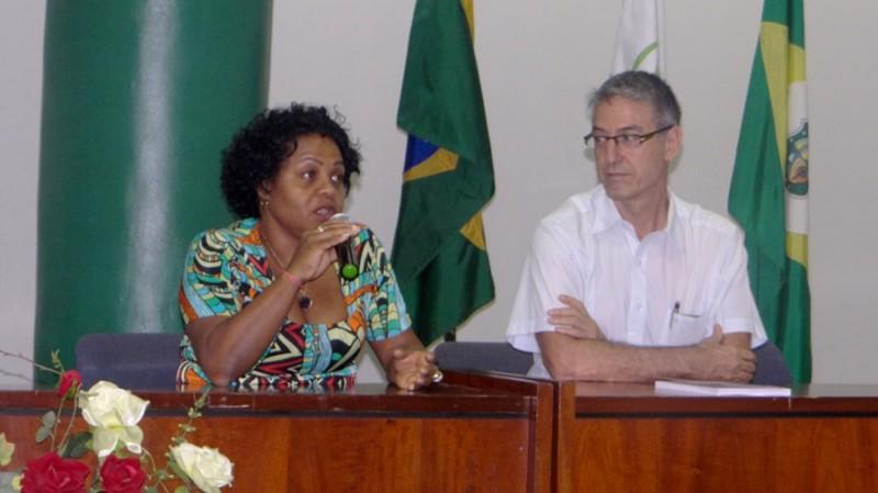 A coordenadora do Palin/Fiocruz Brasília, Denise Oliveira, e o assessor para a África do Cris/Fiocruz, Luiz Eduardo Fonseca.